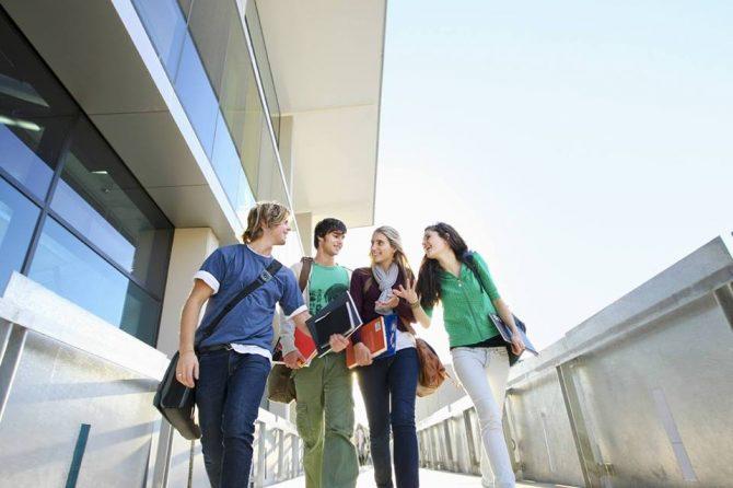 """Conferința """"Five Steps to Entrepreneurial Success Leading Teams"""", la USV Suceava"""