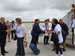 Flutur Harasim intampinare pasageri avion 03.08.16