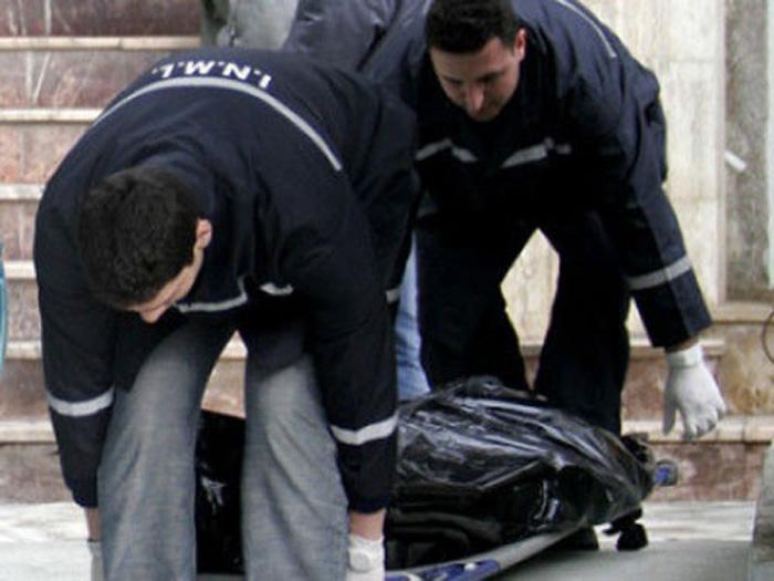 Un bărbat decedat a fost găsit pe marginea drumului, la Probota