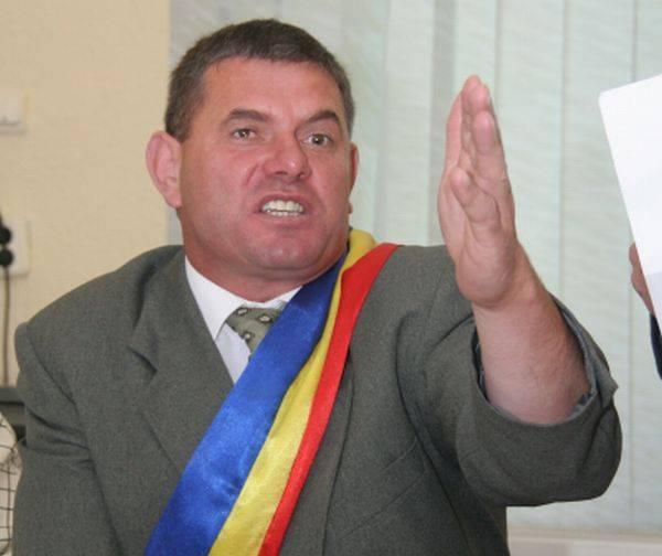 Fostul primar de la Slatina, condamnat doi ani cu suspendare pentru abuz în serviciu