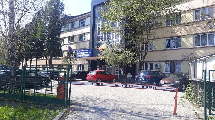 O singură unitate de învățământ din județul Suceava mai are, astăzi, suspendate total cursurile