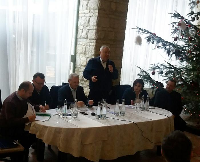 """PSD Suceava nu s-a lămurit dacă sprijină debarcarea lui Dragnea.Stănescu, Firea și Țuțuianu lanseazăatac direct: """"Pentru a evita izolarea internațională a țării și pierderea încrederii în PSD propunem demisia imediată"""""""