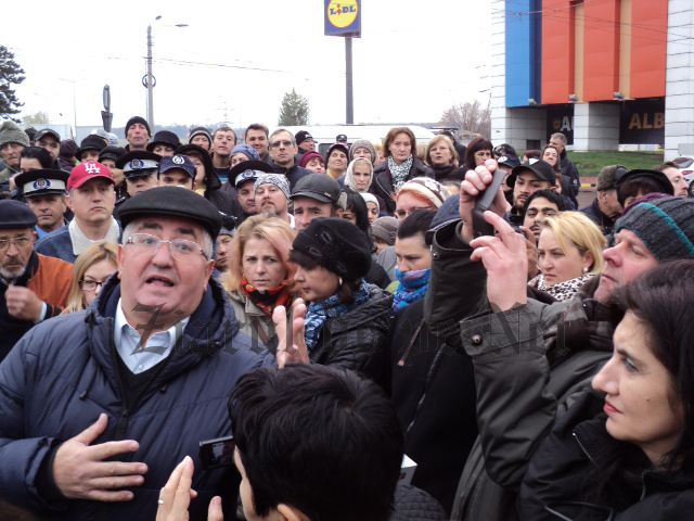 """Lungu îi liniștește pe bazariștii din Suceava: """"Nu se închide bazarul!"""""""