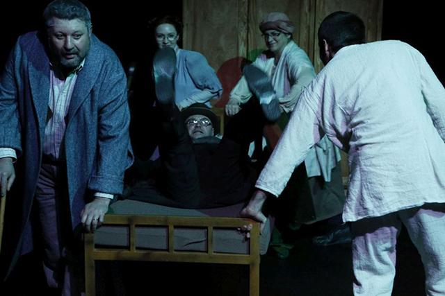 Naționalul ieșean, spectacol de teatru la USV: Metamorfoza după Franz KAFKA