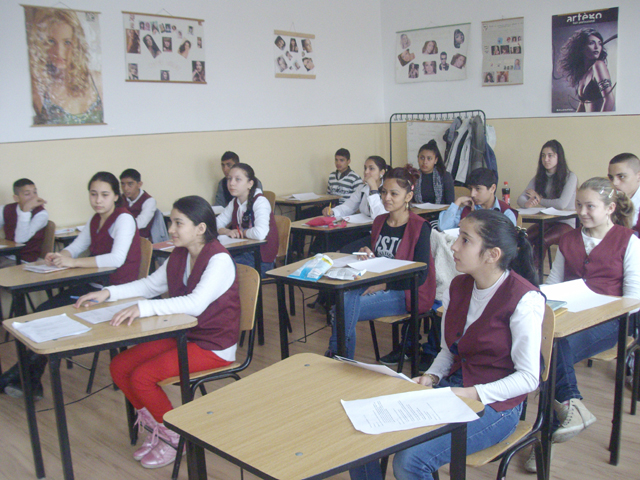 Elevii romi vor fi repartizați la licee