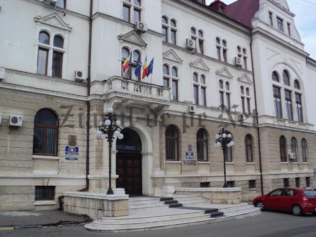 Consiliul Județean Suceava achiziționează servicii de cazare și de servire a mâncării pentru un turneu de fotbal și o tabără