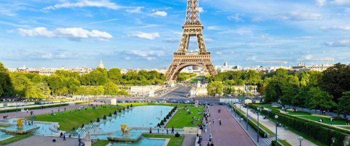 Paris, cea mai solicitată destinație aeriană nouă de pe aeroportul Suceava