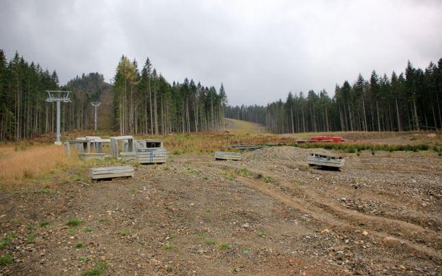 Ministerul Mediului diminuează aria națională protejată pentru a continua lucrările la pârtia de schi din Rarău