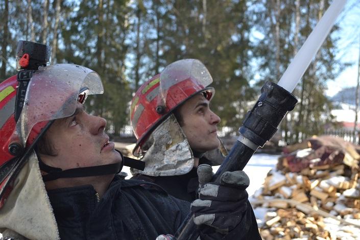 Pompieri la interventie