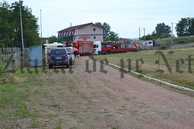 Stadionul Nada Florilor pregatiri de circ 13.07 (2)