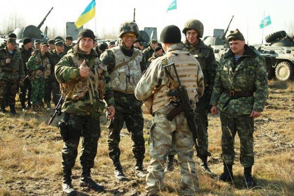 Expoziție de grafică satirică pe tema războiului din Ucraina, la Suceava