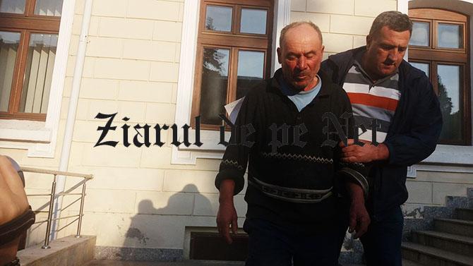 Ciobanul ucigaș din Fălticeni, închisoarea redusă la jumătate.A ucis cu sânge rece un băiat de 15 ani și l-a rănit pe fratele acestuia