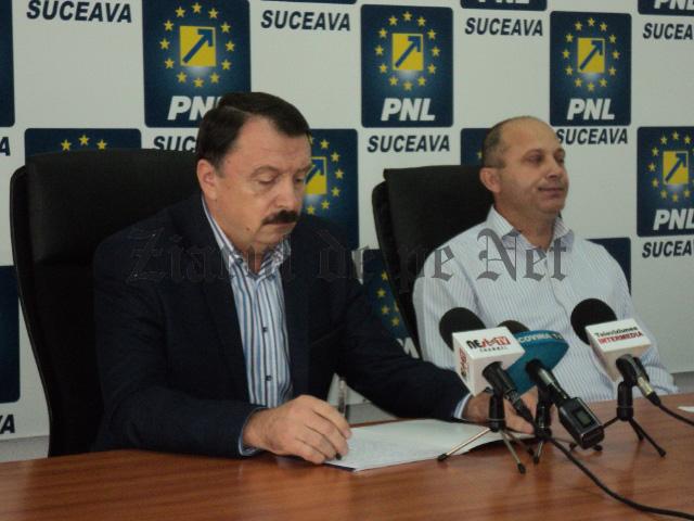 Vasile(stanga) si Daniel Cadariu (dreapta).