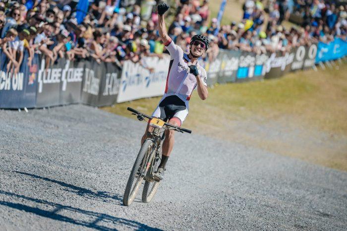 Ciclistul fălticenean Vlad Dascălu a câștigat și etapa de Cupă Mondială din Franța