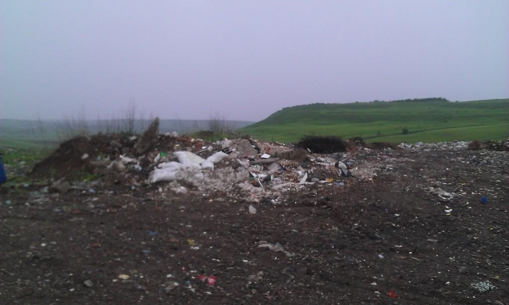 groapa de gunoi veche Antilesti