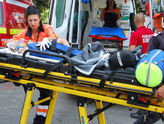 Copil izbit de mașină pe când traversa imprudent, la Pojorâta
