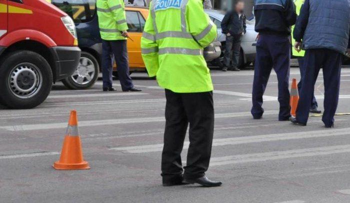 O șoferiță a accidentat un pieton la Fălticeni, după care a părăsit locul accidentului