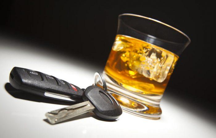 Un șofer băut a avariat cu automacaraua mai multe autoturisme, la Rădăuți