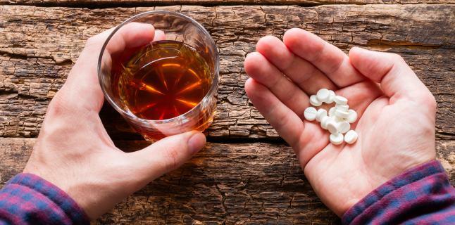 Bărbat din Siminicea, tentativă de suicid cu alcool și medicamente