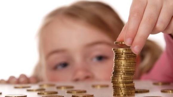 Peste 8.000 de copii din județul Suceava suspendați de la primirea alocației de stat