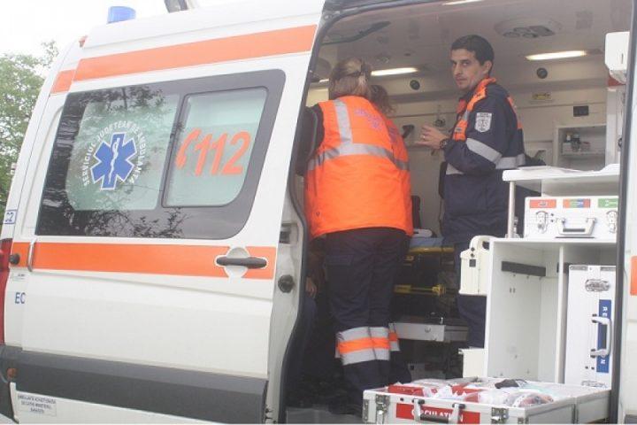 Șofer din Salcea accidentat după o tamponare cu un botoșenean
