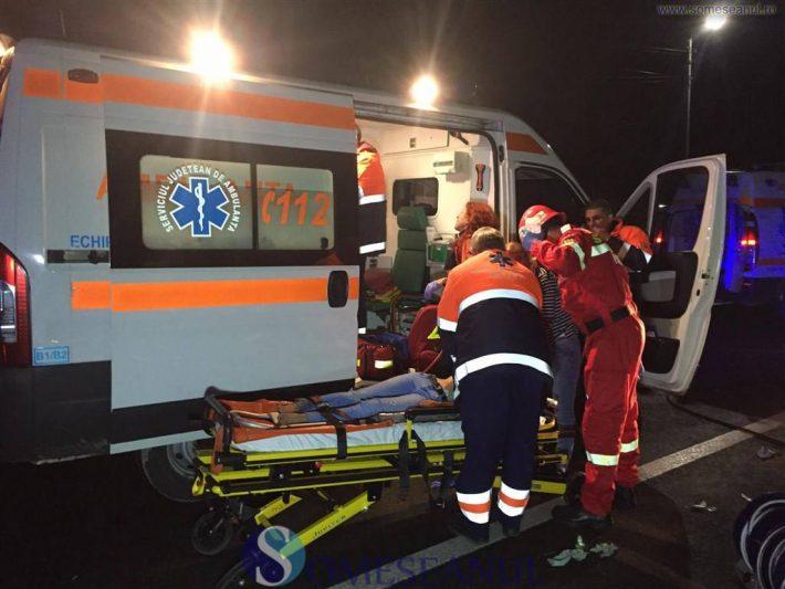 Pasager accidentat după ce un autoturism s-a izbit într-o căruță, la Comănești
