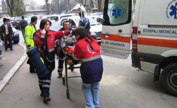 Trei răniți după o tamponare la Frasin