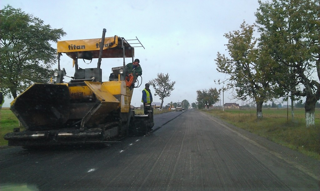 asfaltare DN 15C Boroaia oct 2013 (1)