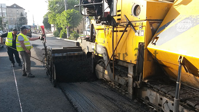 asfaltare  strada Universitatii 19.05 (2)
