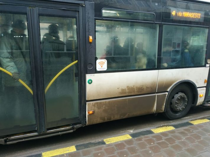 """Uniunea pentru Bucovina cere dezinfectări suplimentare ale autobuzelor: """"Mijloacele de transport în comun să fie spălate mai des pentru că arată ca nişte cocine ambulante"""""""