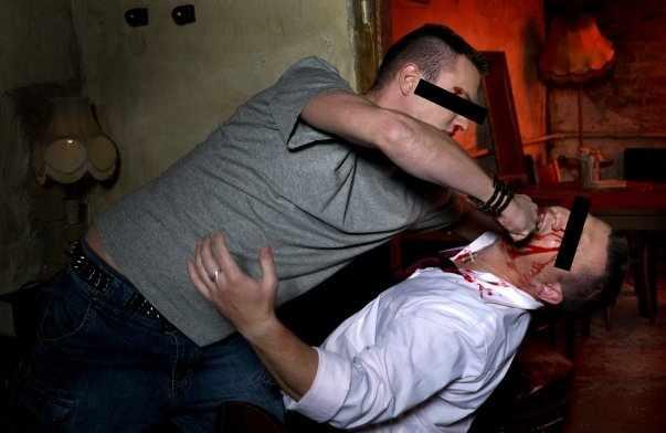 Șofer beat, bătut de un tânăr la Boroaia