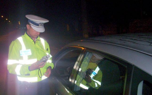 Șofer rupt de beat și cu permisul suspendat, la volan în Todirești