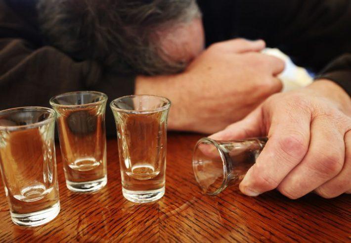 Șofer din Sucevița băut și fără declarație pe propria răspundere, amendă și dosar penal