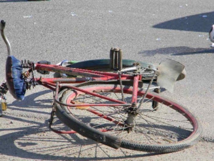 Biciclistă lovită de mașină la Vicovu de Sus