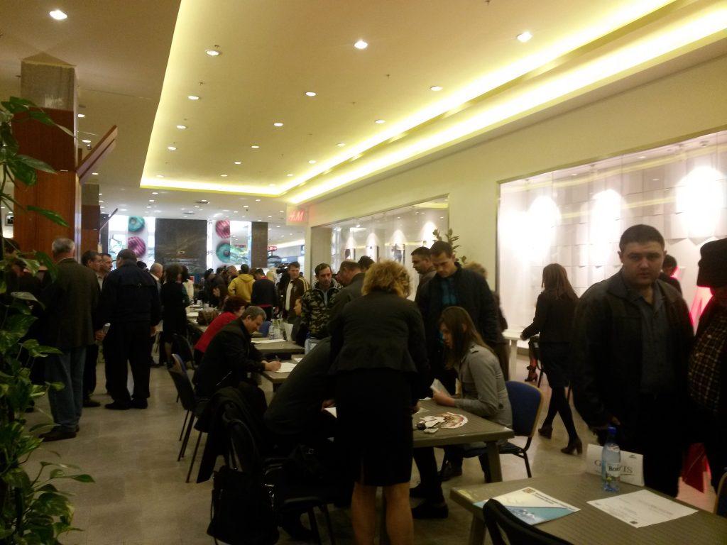 Peste 500 de locuri oferite la Bursa generală a locurilor de muncă
