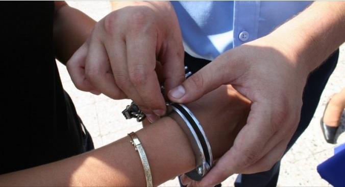5 hoți, dintre care 3 minori, reținuți de polițiștii suceveni