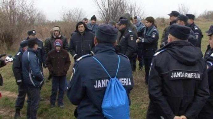 Căutări disperate pentru găsirea unui copilaș de 4 ani, care a dispărut din fața porții bunicii sale