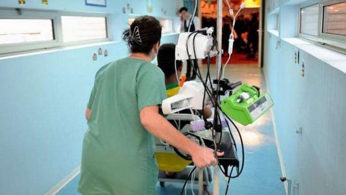 Spitalul Fălticeni scoate la concurs 5 posturi de infirmieră debutantă