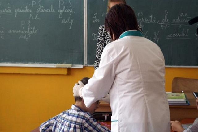673 de școlari cu afecțiuni, la început de an școlar