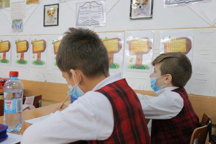 Pericolul coronavirusului: unitățile de învățământ sucevene solicitate să anuleze deplasările în străinătate și să suspende manifestările colective