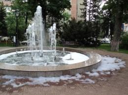 fantana arteziana cu clabuci la Suceava 11.05.2015