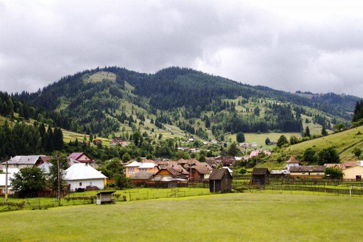 Praf în ochi de la Guvern:Fundu Moldovei,declarată staţiune turistică de interes local