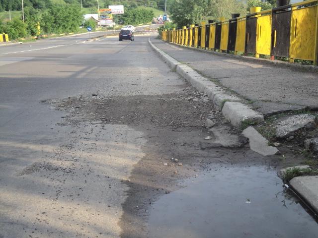 Bani prin PNDL: Primăria Fălticeni trebuie să contribuie cu 544.128 lei pentru refacerea a 8 străzi și a podului 2 Grăniceri