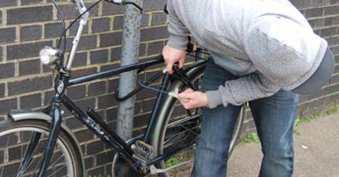 Bicicletă furată de două ori, la Horodniceni și apoi la Fălticeni