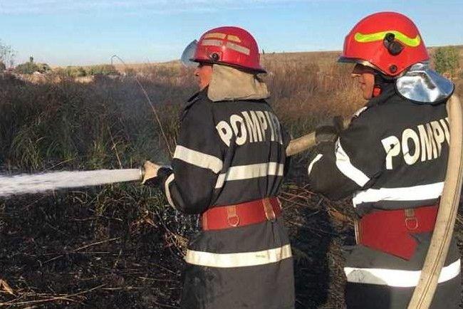 Trupul carbonizat al unui bătrân a fost găsit de pompieri într-o zonă afectată de un incendiu de vegetație, la Berchișești