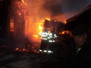 incendiu Cotu Baii 03.10.2013 viceprimar Andries (13)