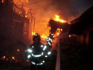incendiu Cotu Baii 03.10.2013 viceprimar Andries (14)