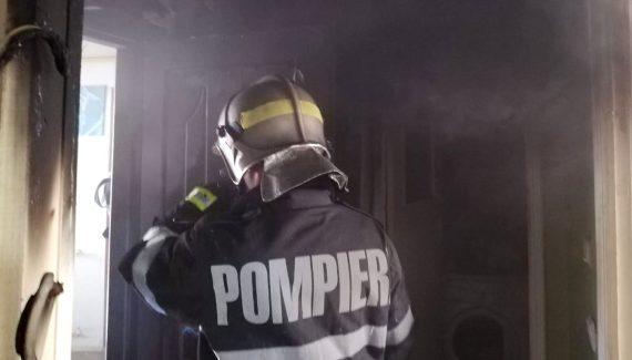 Incendiu provocat de un fier de călcat într-un apartament din Suceava