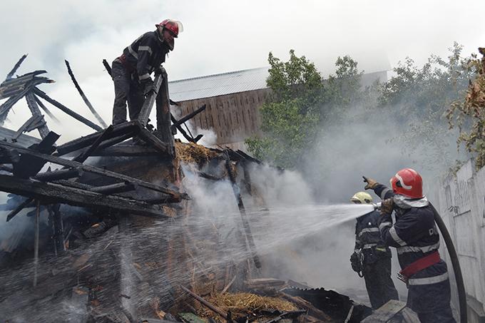 incendiu pe strada 9 Mai 16.07 (6)