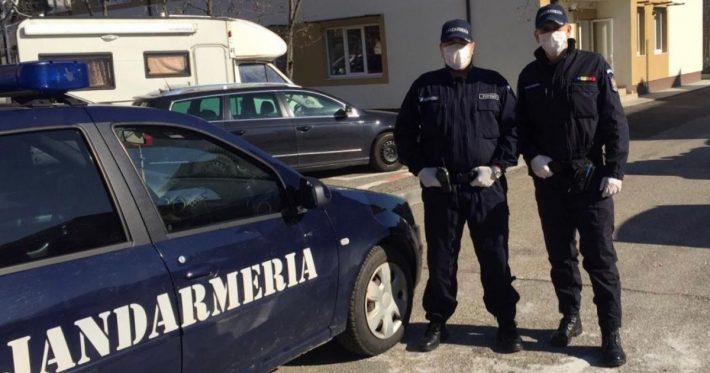 Echipe mixte de polițiști și militari verifică respectarea măsurilor de autoizolare, locațiile de carantinare și respectarea interdicțiilor de către societățile comerciale